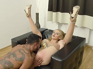 Hungarian hoe horny for anal